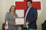 Luciano Szafir engajamento e reconhecimento da Cruz Vermelha