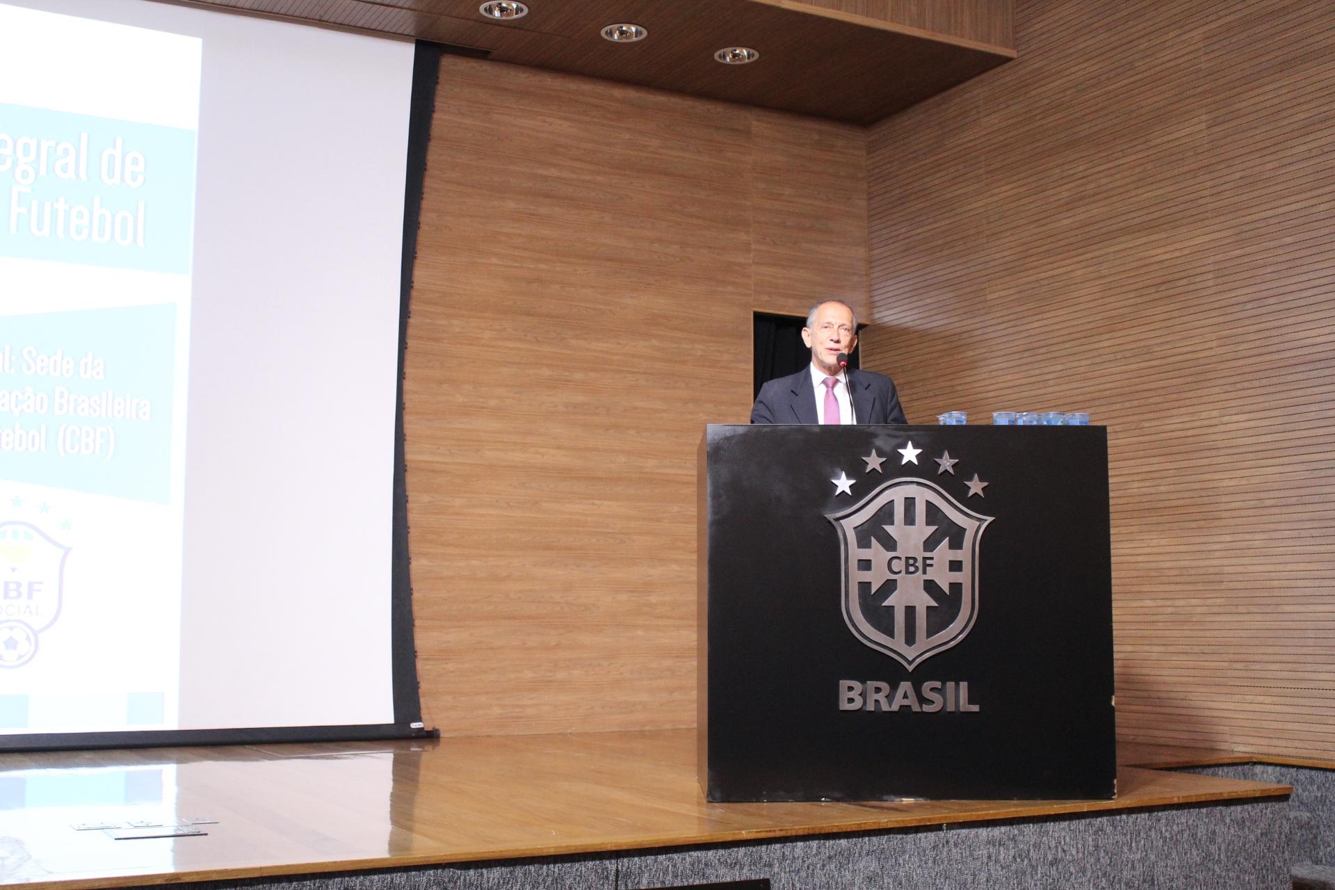 Cruz Vermelha Brasileira participa de seminário na CBF (3)