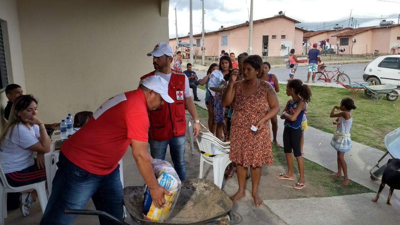 Cruz Vermelha Brasileira presta ajuda humanitária em Marechal Deodoro