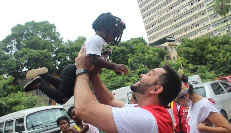Cruz Vermelha Brasileira recebe refugiados em sua sede nesta terça-feira (3)