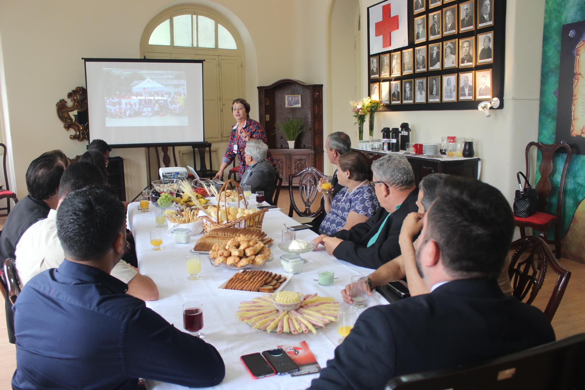 Cruz Vermelha Brasileira promove encontro com autoridades (1)