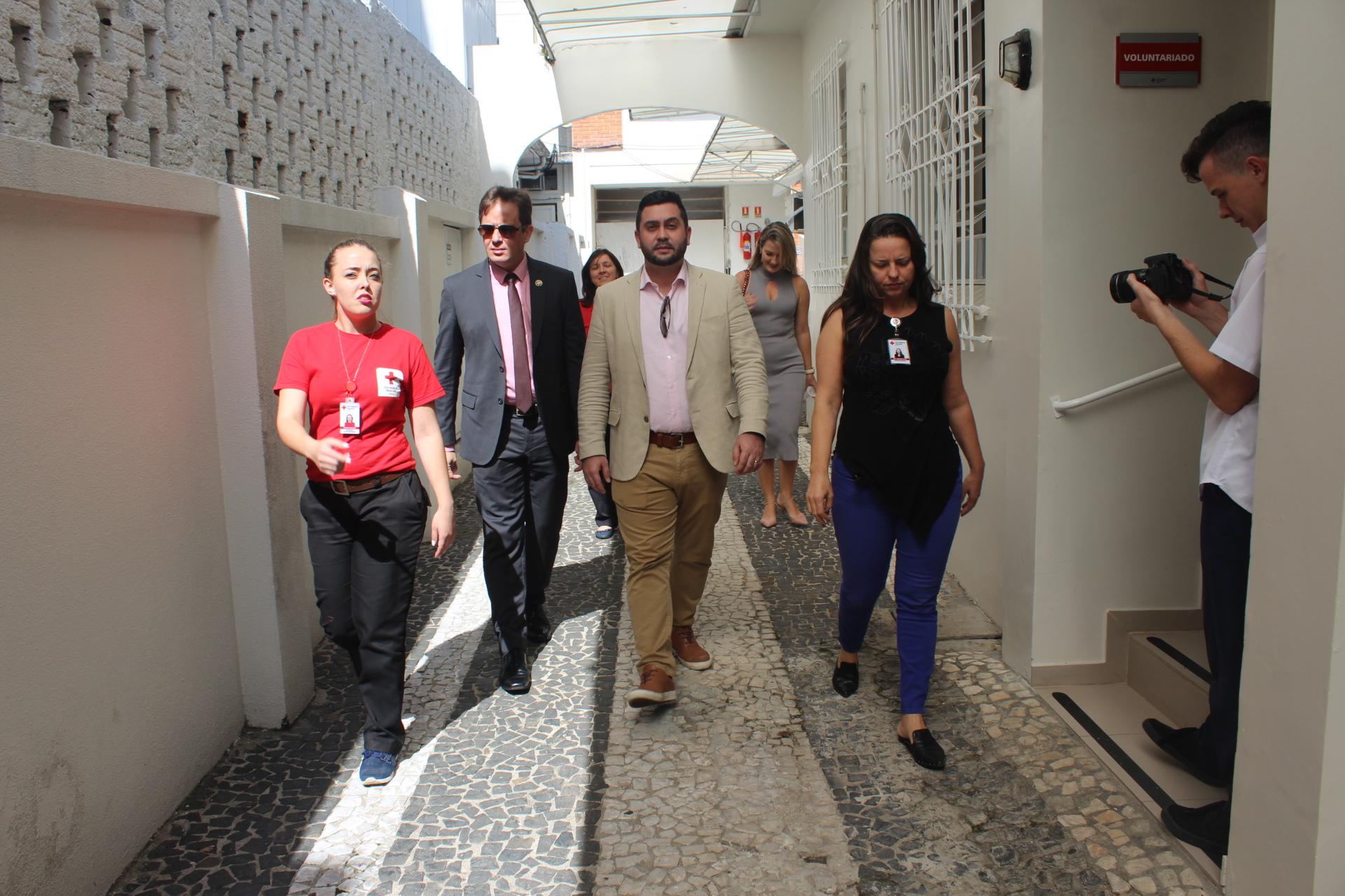 Presidente da Cruz Vermelha Brasileira cumpre agenda no Paraná (7)