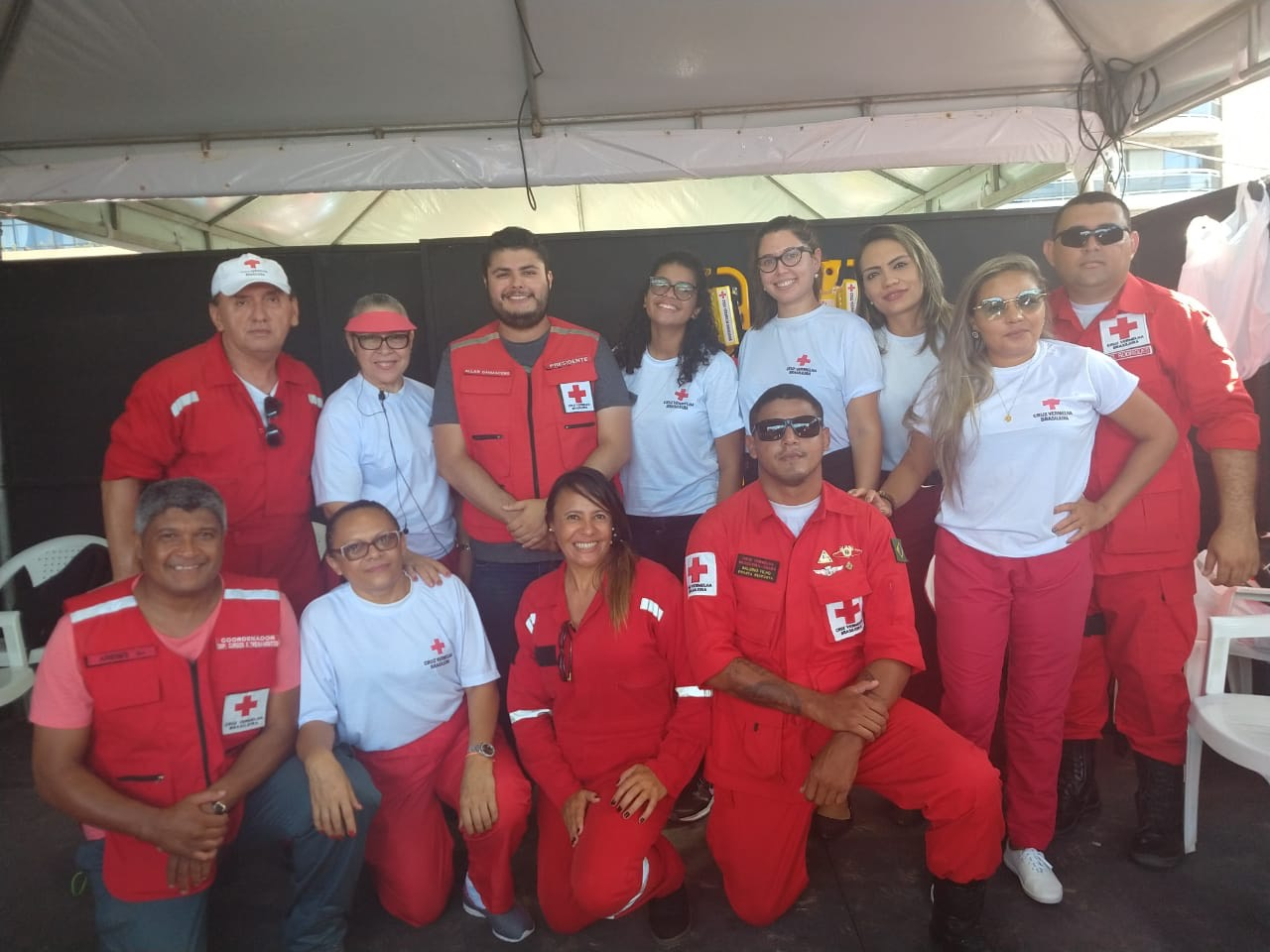 Presidente da filial Ceará, Allan Damasceno e voluntários.