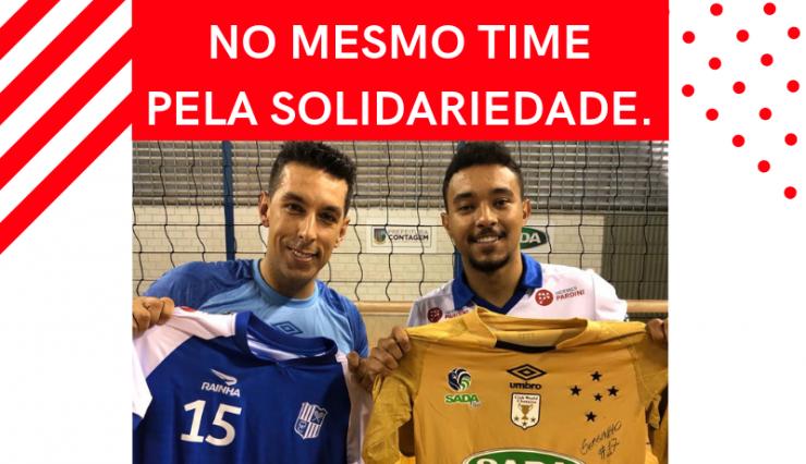 Estrelas do vôlei doam camisas para leilão solidário da Cruz Vermelha Brasileira (1)