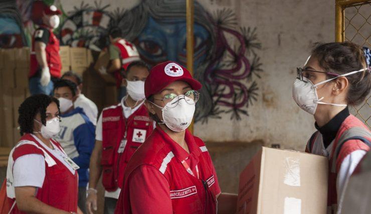 Cruz Vermelha Brasileira - São Paulo entrega cestas básicas e itens de higiene pessoal em aldeia na zona norte da capital (1)