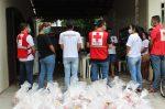Voluntários entregam cestas básicas no Amapá